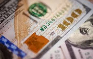 El dólar suma 50 centavos en el arranque. Con la baja de los últimos días, ¿es momento de comprar o es mejor invertir en plazo fijo?